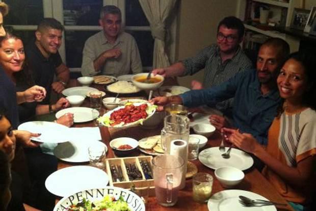 muslim meal time